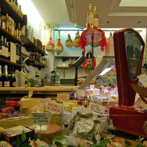 Lucca food shop